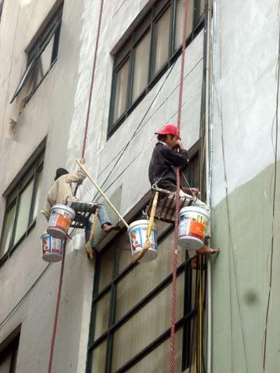tiền công thợ sơn nhà
