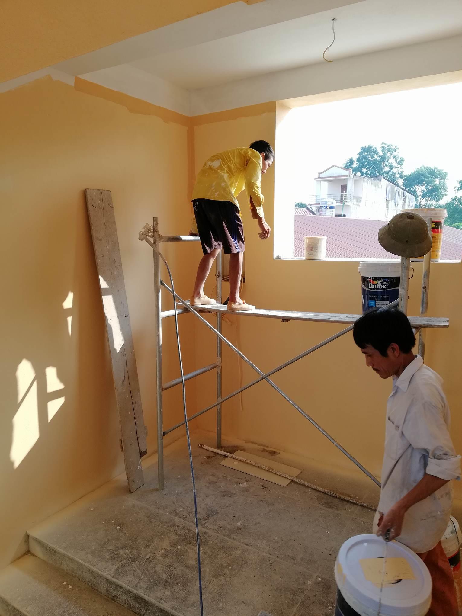 thợ phun sơn nhà